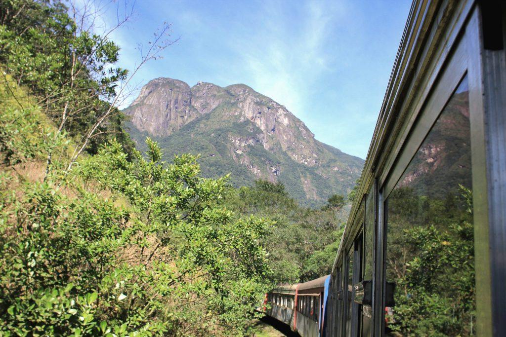 Vista do Pico Marumbi. Crédito foto: Serra Verde Express.