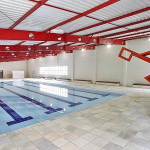 A piscina agora é coberta e aquecida. Crédito foto: Daniel Castellano.