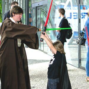 Star Wars é aquela saga que une pessoas de todas as idades. Foto: Nerdnation
