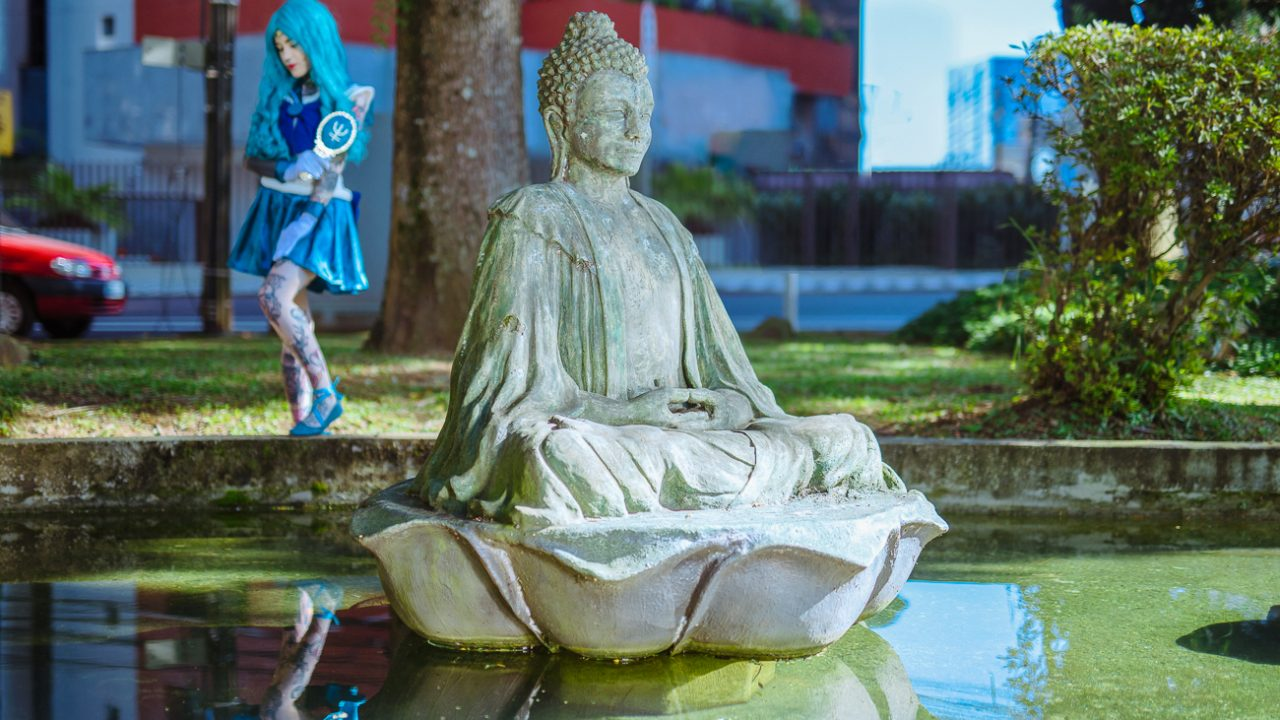 Buda na Praça do Japão