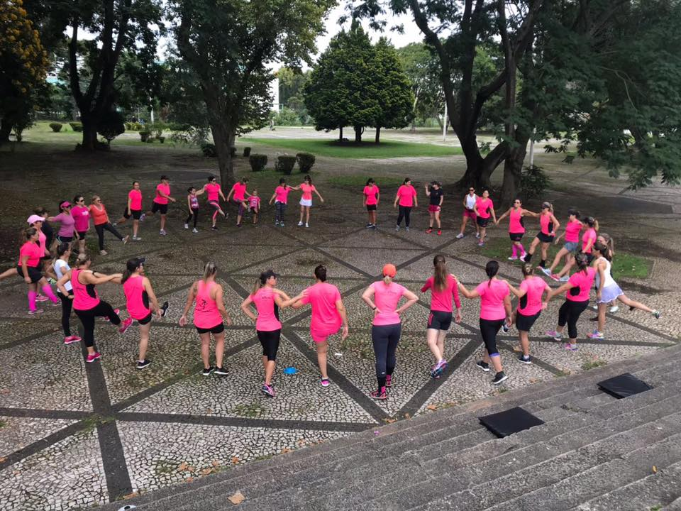 Hoje a assessoria conta com mais de 100 mulheres em seus grupos. Foto: Facebook Running Moms