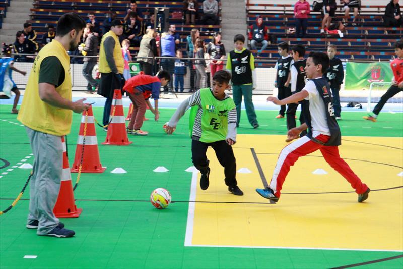 Oportunidade de treinar futebol de graça! Foto  PMC df84debaab3d8