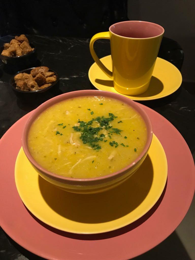 Sopa de milho com frango. Foto MCities